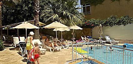Makri Beach Hotel Havuz / Deniz