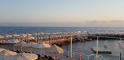 Malpas Hotel & Casino Havuz / Deniz