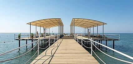 Maritim Pine Beach Resort Havuz / Deniz
