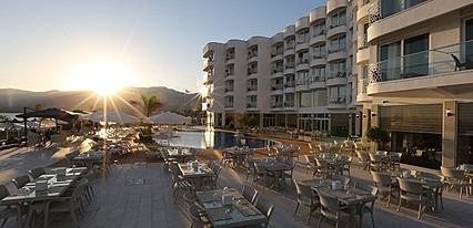 Marpessa Blue Beach Hotel Havuz / Deniz