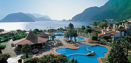 Martı Resort Hotel Havuz / Deniz