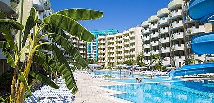 May Garden Club Hotel Havuz / Deniz