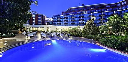 Merit Crystal Cove Hotel Havuz / Deniz