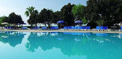 Merit Cyprus Garden Havuz / Deniz