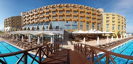 Merit Park Hotel & Casino Havuz / Deniz