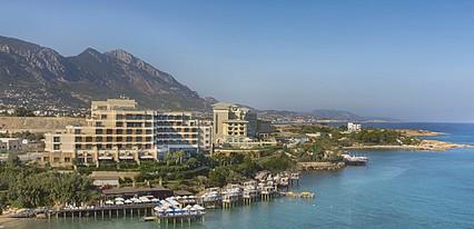Merit Royal Otel Casino Spa Havuz / Deniz