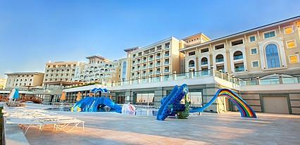 Merit Royal Premium Havuz / Deniz