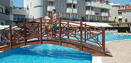 Monachus Hotel & Spa Havuz / Deniz