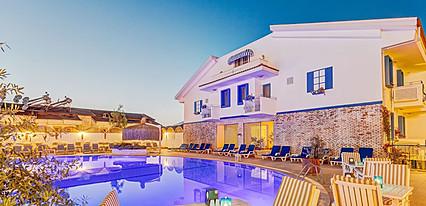 Monta Verde Hotel Havuz / Deniz