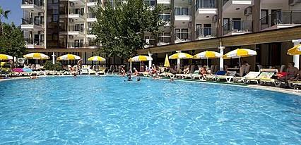 Monte Carlo Hotel Havuz / Deniz