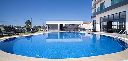 Musho Otel Havuz / Deniz