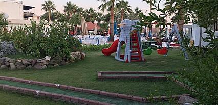 Nagi Beach Hotel Genel Görünüm