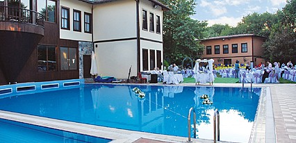 Otantik Club Hotel Havuz / Deniz