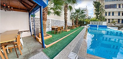 Pak Hotel Kusadasi Havuz / Deniz