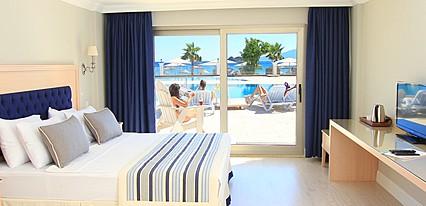 Palm Bay Beach Hotel Oda