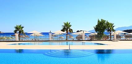 Palm Bay Beach Hotel Havuz / Deniz