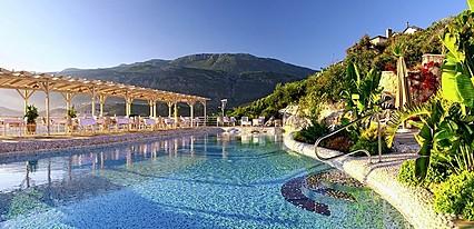 Peninsula Gardens Hotel Havuz / Deniz