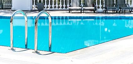 Pine Club Boutique Hotel & Spa Havuz / Deniz