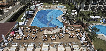 Piril Hotel Thermal Beauty Spa Havuz / Deniz