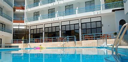 Ponz Hotel Kusadasi Havuz / Deniz