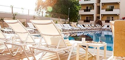 Prestige Hotel & Apart Havuz / Deniz