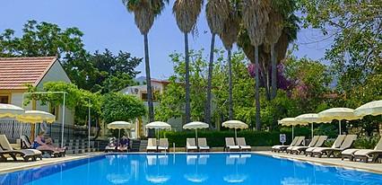 Riverside Garden Hotel Havuz / Deniz