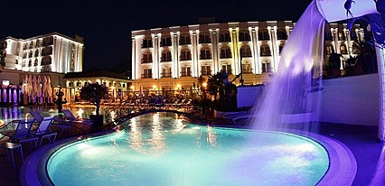 Rocks Hotel & Casino Havuz / Deniz