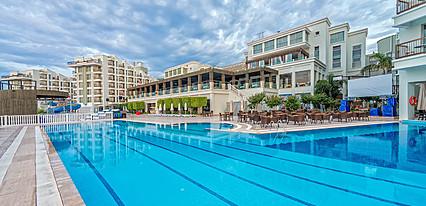 Royal Atlantis Spa Resort Havuz / Deniz