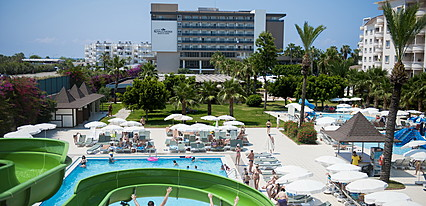 Royal Garden Suit Hotel Havuz / Deniz