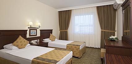 Royal Garden Suit Hotel Oda