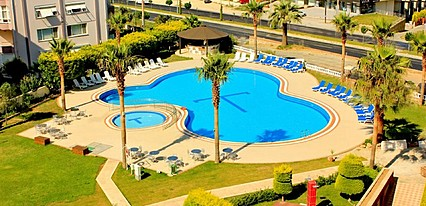 Royal Palace Hotel Kusadasi Havuz / Deniz