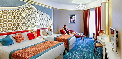 Royal Taj Mahal Hotel Side Oda