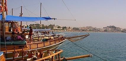 Saadet Hotel Havuz / Deniz
