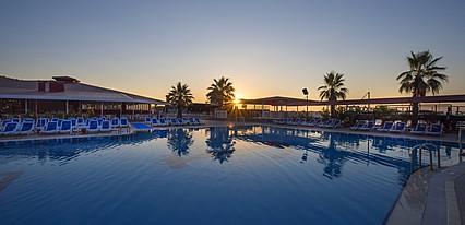 Sailors Beach Club Havuz / Deniz