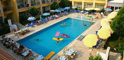 Sayanora Hotel Havuz / Deniz