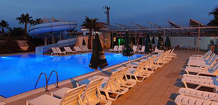 Sea Bird Beach Hotel Havuz / Deniz