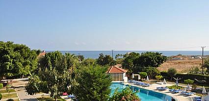 Sempati Hotel Havuz / Deniz