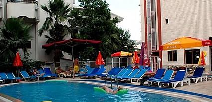 Seren Sari Hotel Havuz / Deniz
