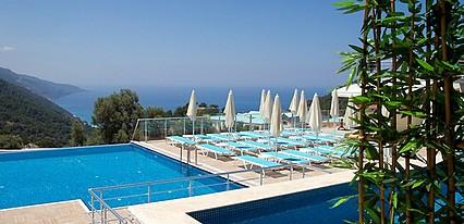 Sertil Deluxe Hotel & Spa Havuz / Deniz