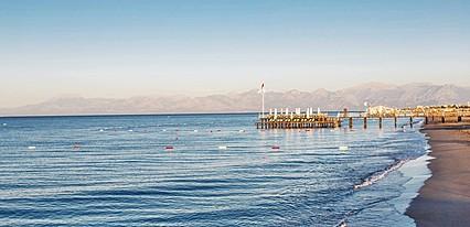 Sherwood Breezes Resort Havuz / Deniz