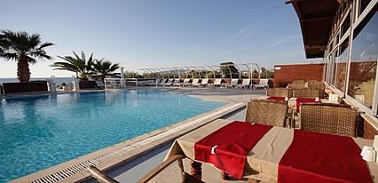 Sun And Sea Beach Hotel  Havuz / Deniz