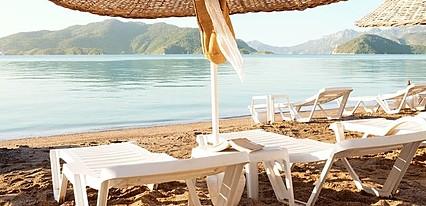 Sunprime Beachfront Otel Havuz / Deniz