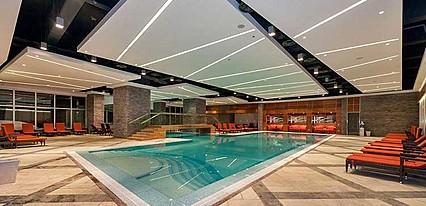 Sway Hotels Havuz / Deniz