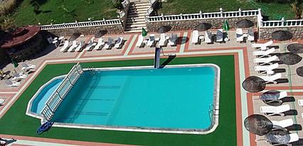 Temple Beach Hotel Havuz / Deniz