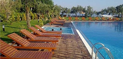 The Green Beach Resort Hotel Havuz / Deniz