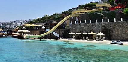 The Qasr Bodrum Helal Resort Havuz / Deniz