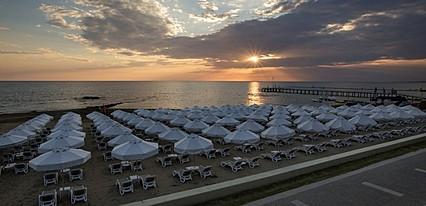 The Sense Deluxe Hotel Havuz / Deniz