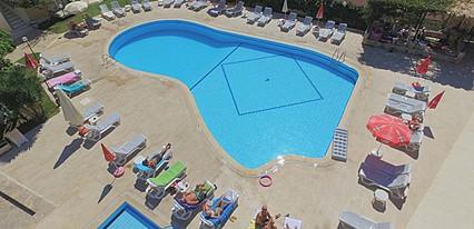 The Tower Hotel Havuz / Deniz