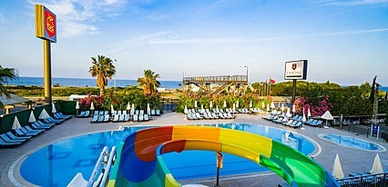 Throne Beach Resort Havuz / Deniz