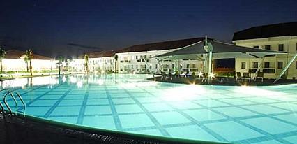 Tripolis Hotel Havuz / Deniz